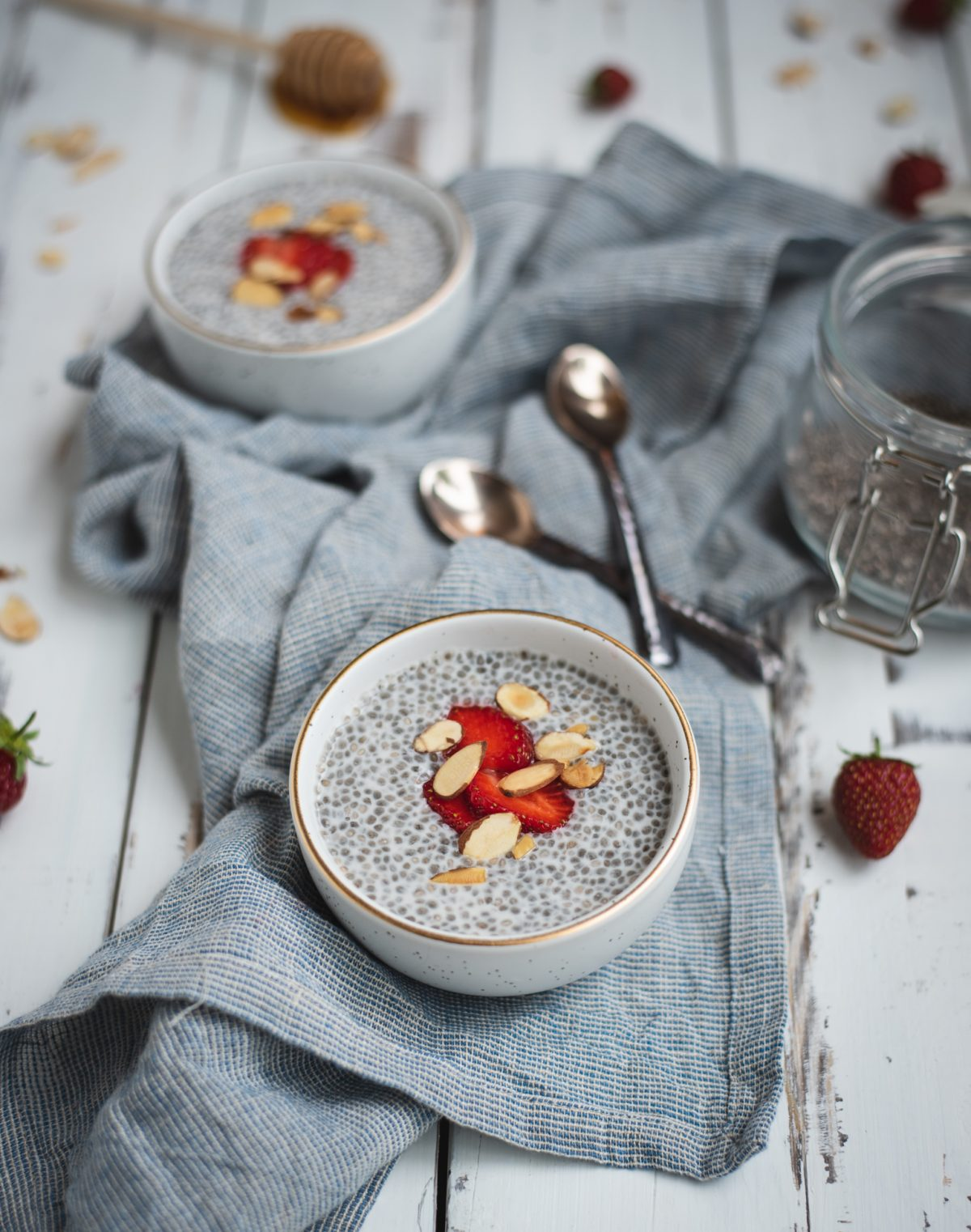 Almond chia seed pudding in two bowls