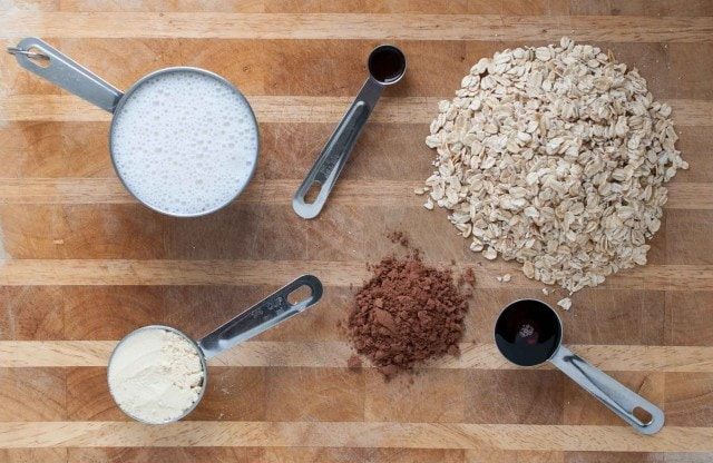 ingredients in chocolate protein overnight oats