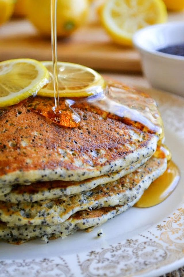 lemon-poppy-seed-pancakes