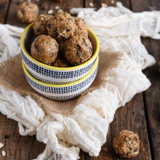 Peanut butter oat energy balls