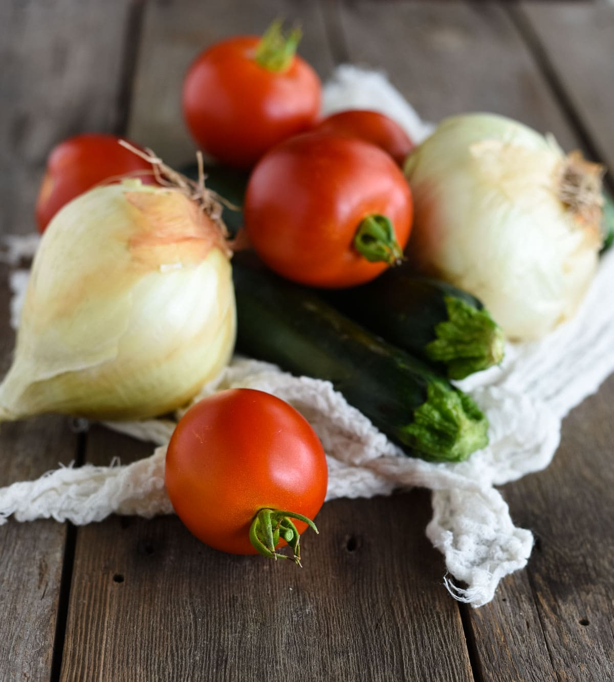 Tomato zucchini and onion