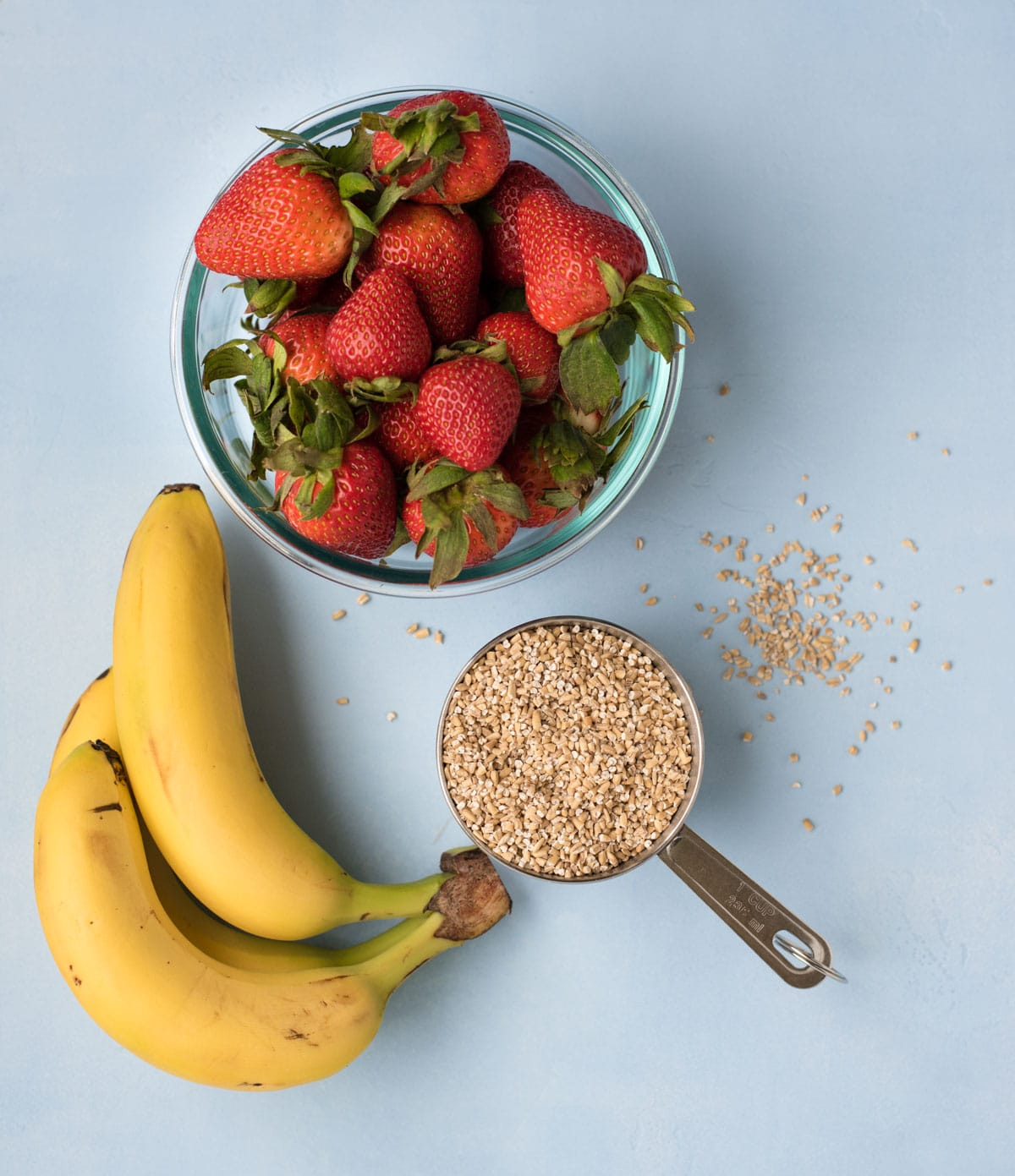 Strawberry Banana Steel Cut Oat Bake main ingredients: strawberry, banana, and steel cut oats